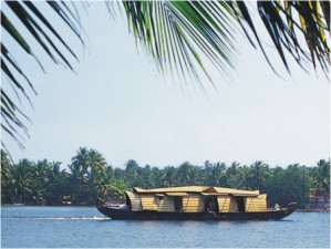 Enchanting South India, IndianHolidayOptions.com, House Boat, Chennai, Munnar